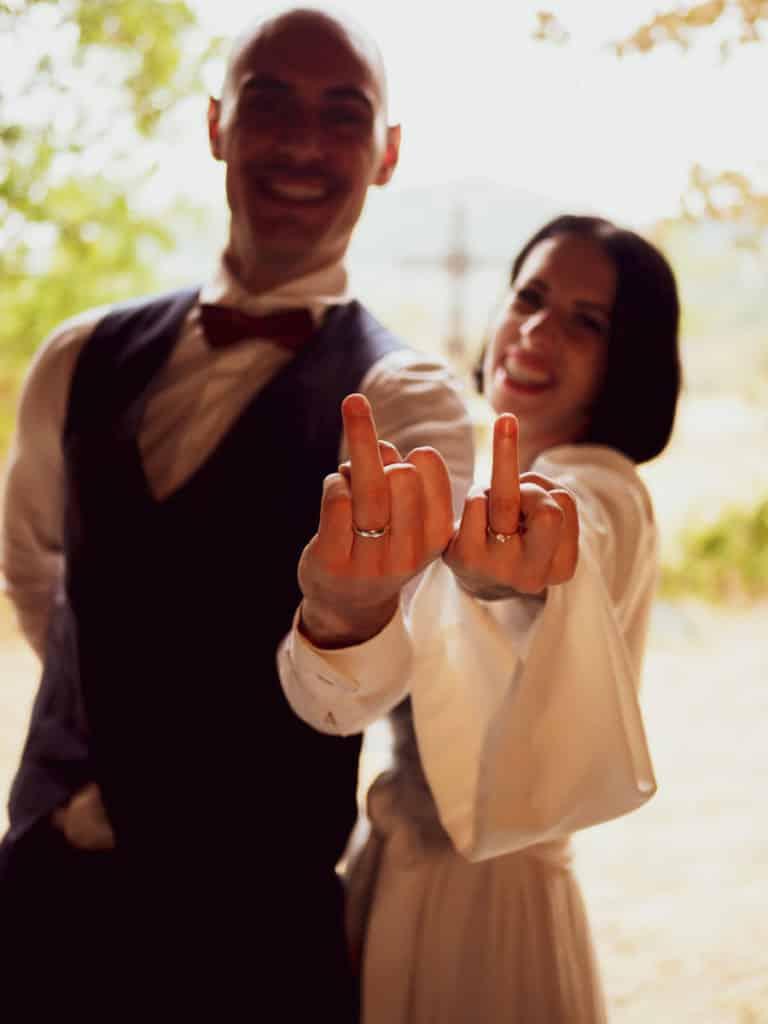 Délires en tout genre dans un mariage bohème dans la drôme.