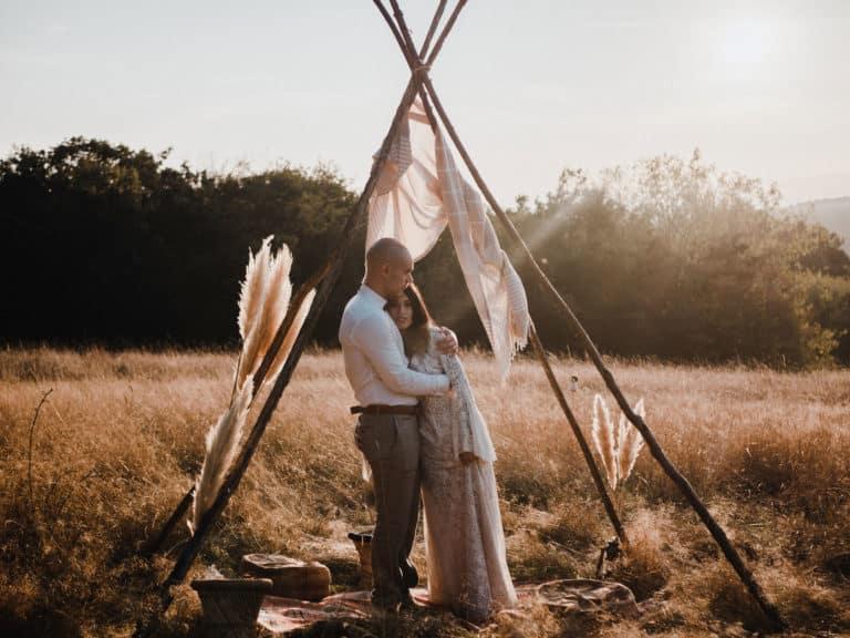 Photos et vidéo de mariage bohème.