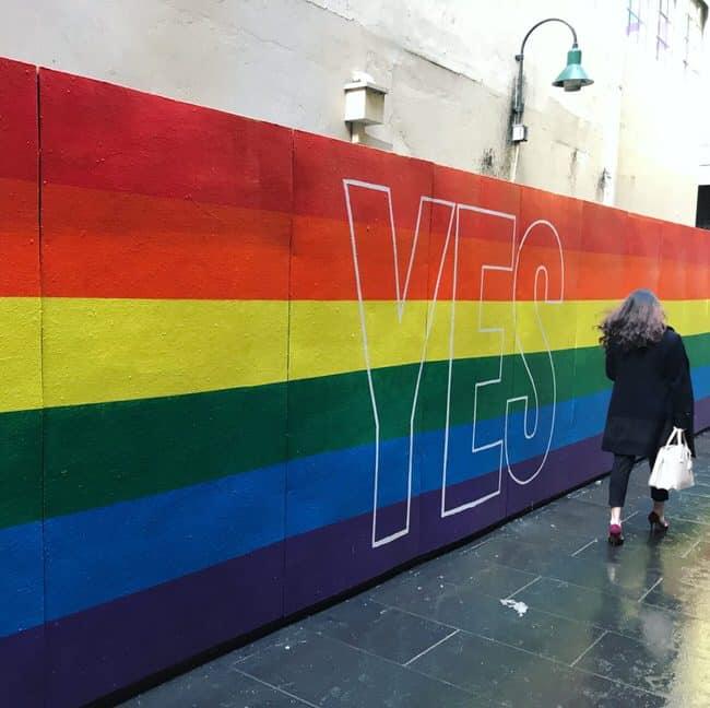 Le symbole lgbtq+ pris en photo par un photographe mariage gay.