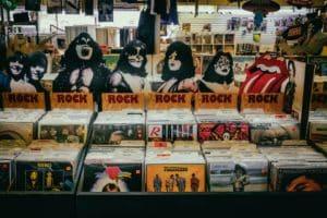 Parmi cette liste de Cd pas facile de choisir sa musique de mariage rock.
