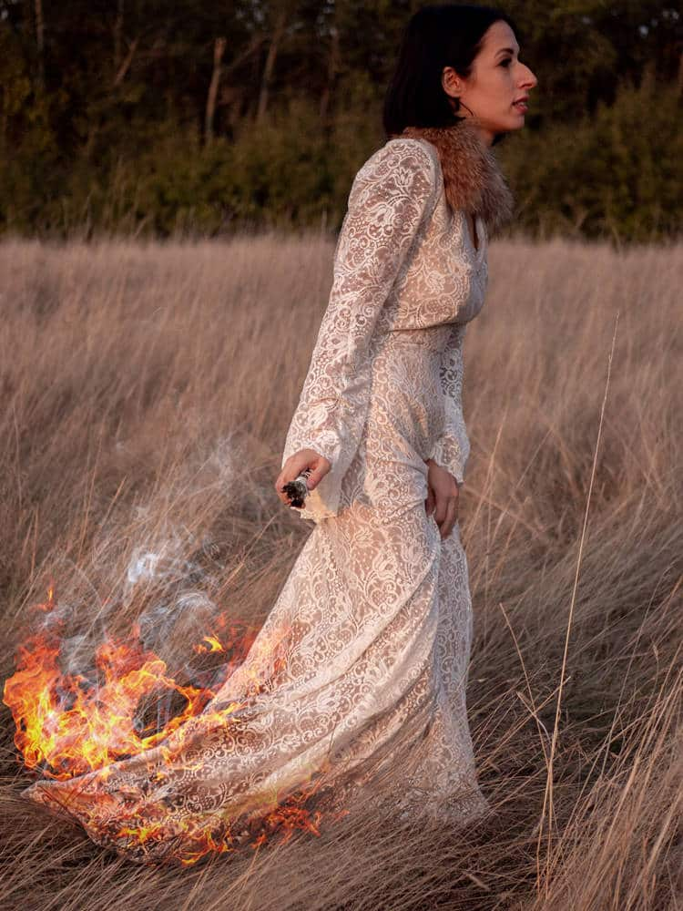 Trash the dress une robe de mariée en feu